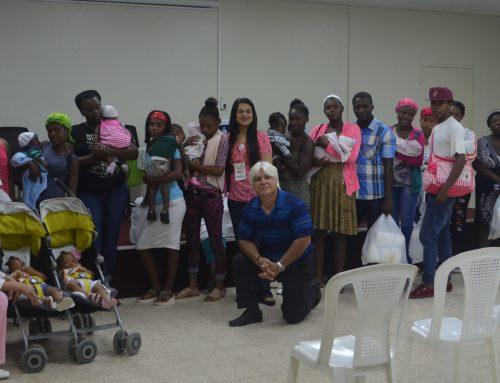 Prematuros y embarazadas adolescentes de San Pedro de Macorís reciben a Sonrisa de Ángel