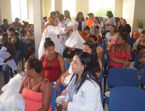 Prematuros y gestantes adolescentes de San Francisco de Macorís reciben oración, charlas y kits