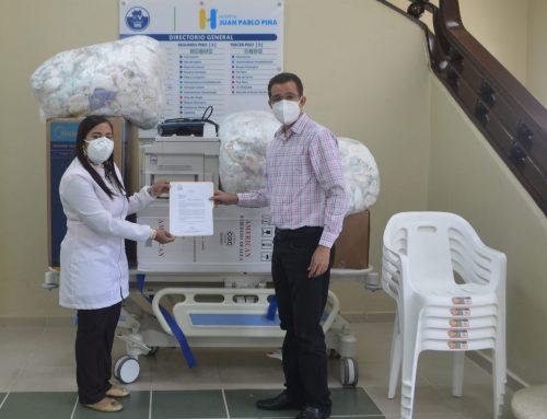 Programa Mamá Canguro del Hospital Juan Pablo Pina recibe donativos por Sonrisa de Ángel